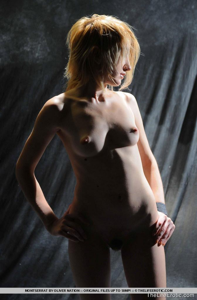 Young Montserrat in naked photoshoot