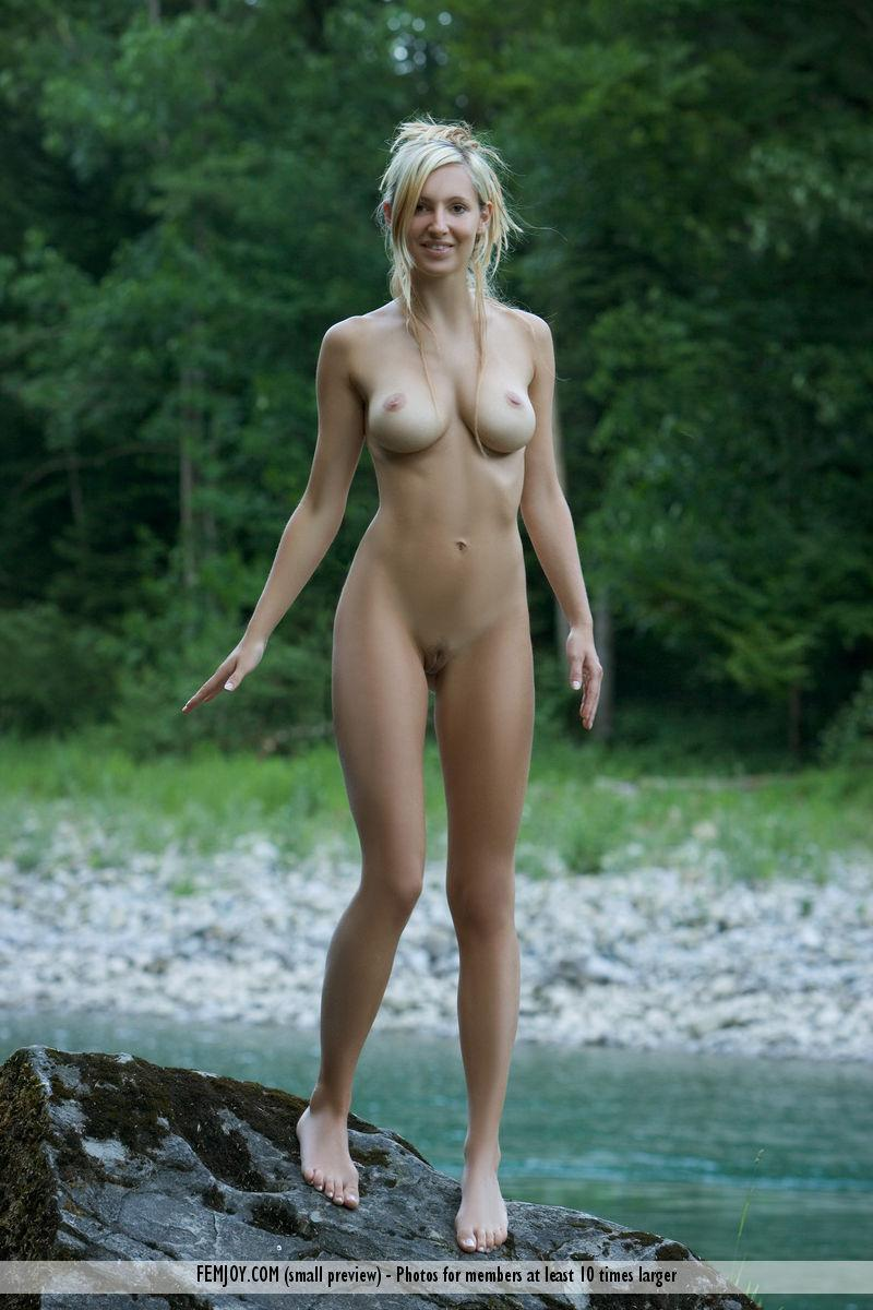 Wonderful Corinna loves to pose naked in nature - 11
