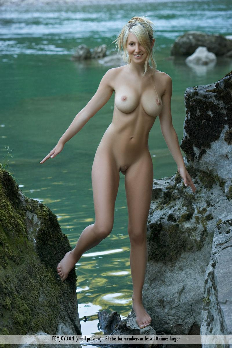 Wonderful Corinna loves to pose naked in nature - 6