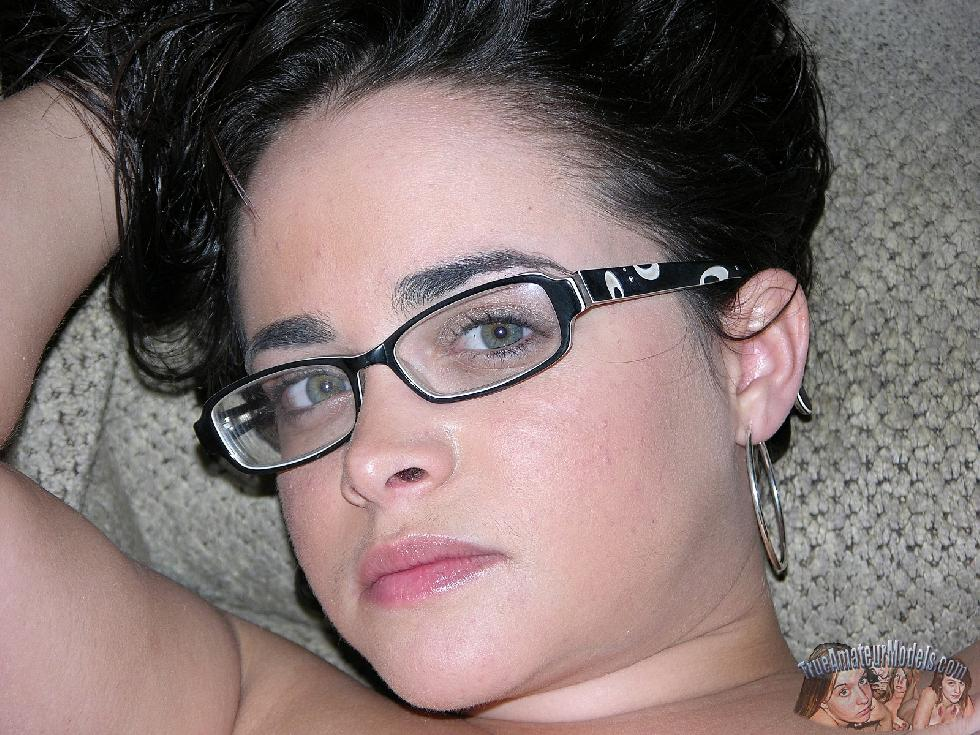 Cute brunette in glasses - Sophie - 4
