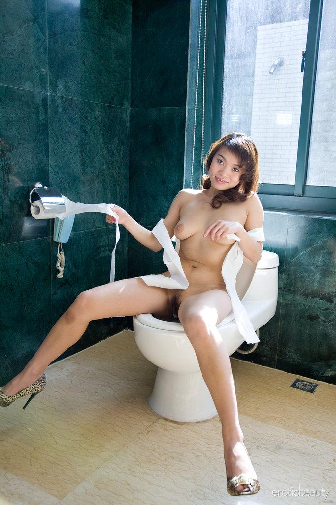 Beautiful naked Asian in the bathroom - Pansy Lam - 7