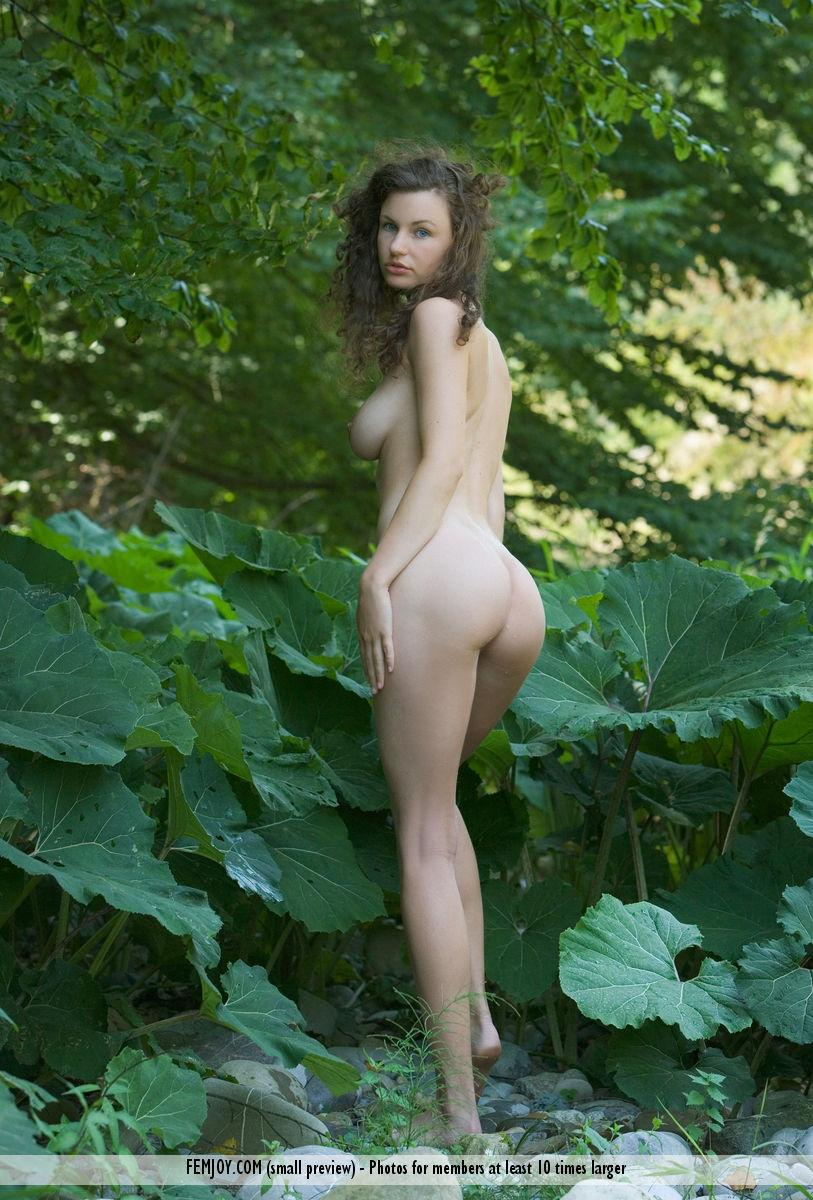 Naked session in nature with beautiful Susann - 2
