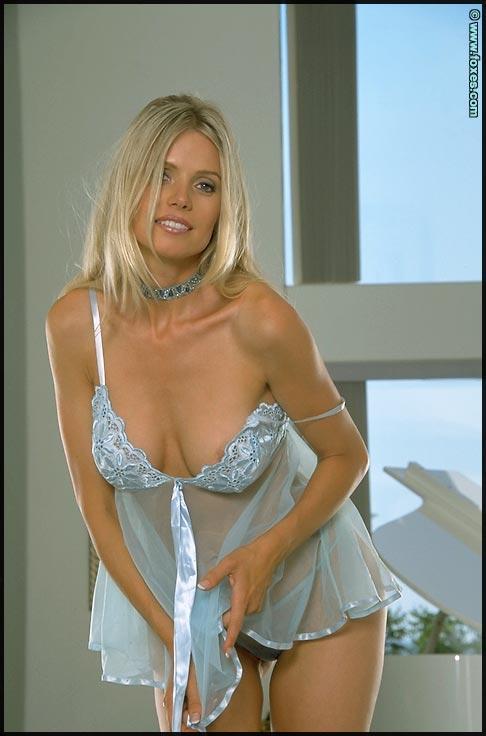 Anna Marie Goddard strips sexy underskirt - 5