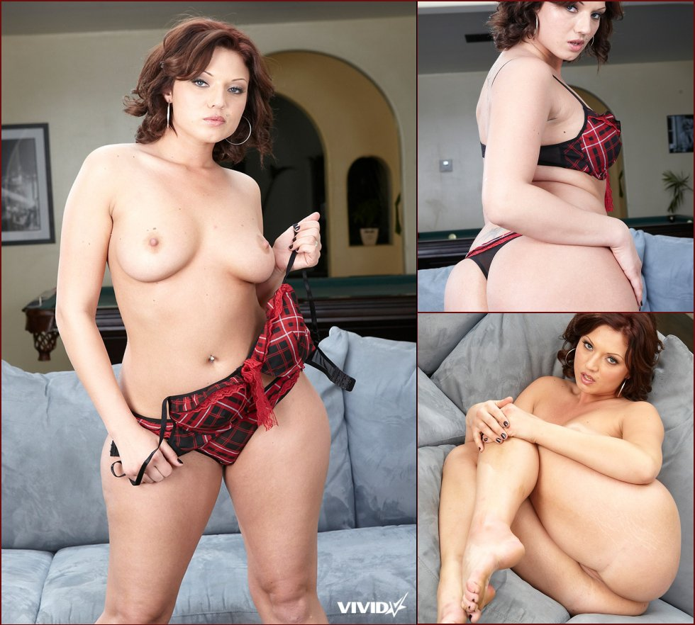 Plump MILF is showing tight pussy - Ava Rose - 39
