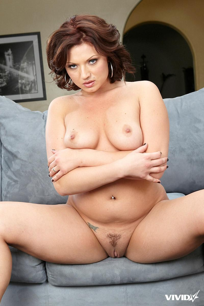 Plump MILF is showing tight pussy - Ava Rose - 4
