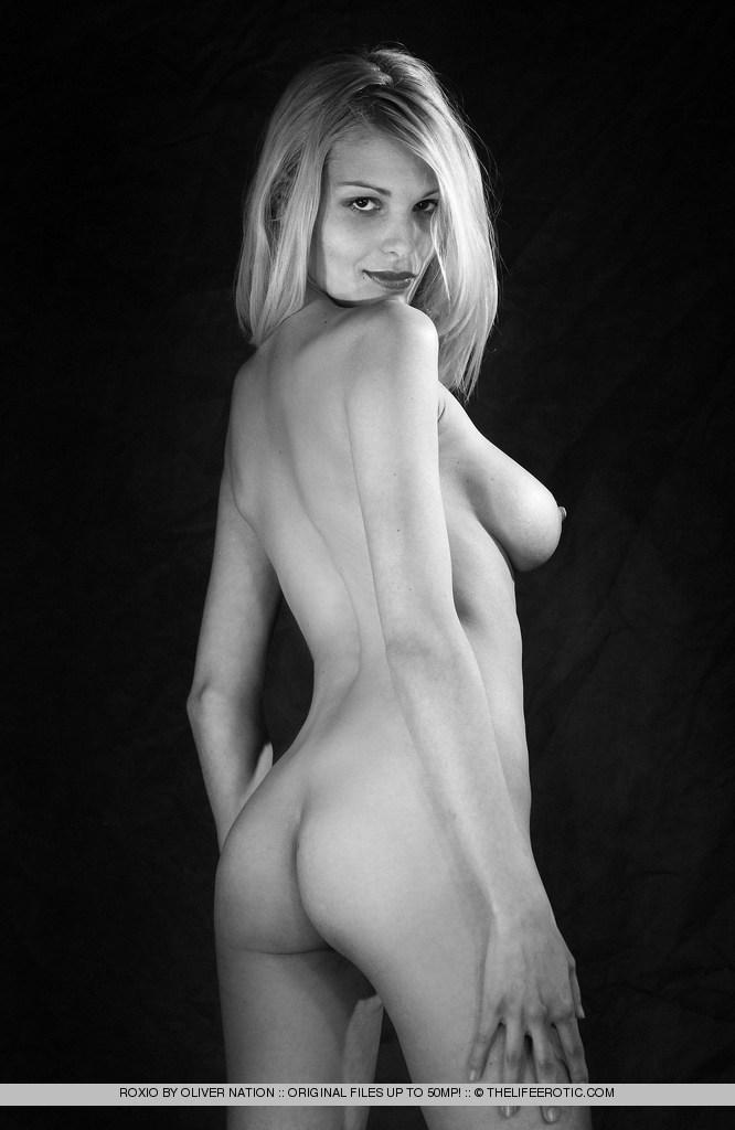 Black and white session with charming Roxio - 10