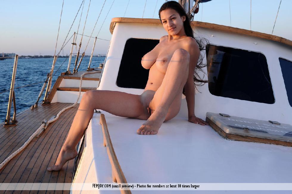 Amazing Yara and her holidays at the sea. Part 2 - 3
