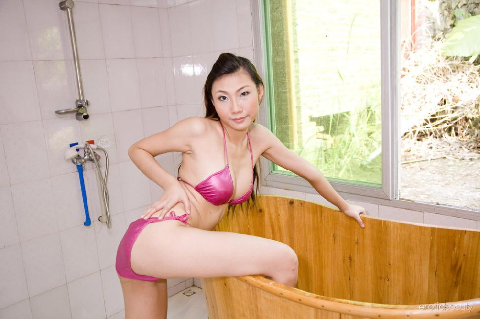 Pretty Asian is posing in the bathroom - Sophier - 1