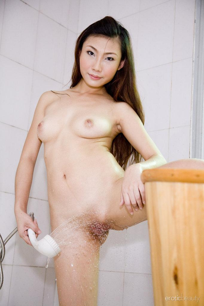 Pretty Asian is posing in the bathroom - Sophier - 10