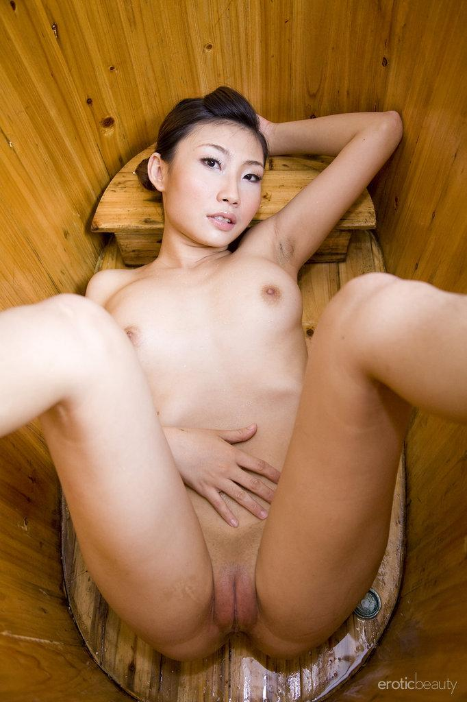 Pretty Asian is posing in the bathroom - Sophier - 16