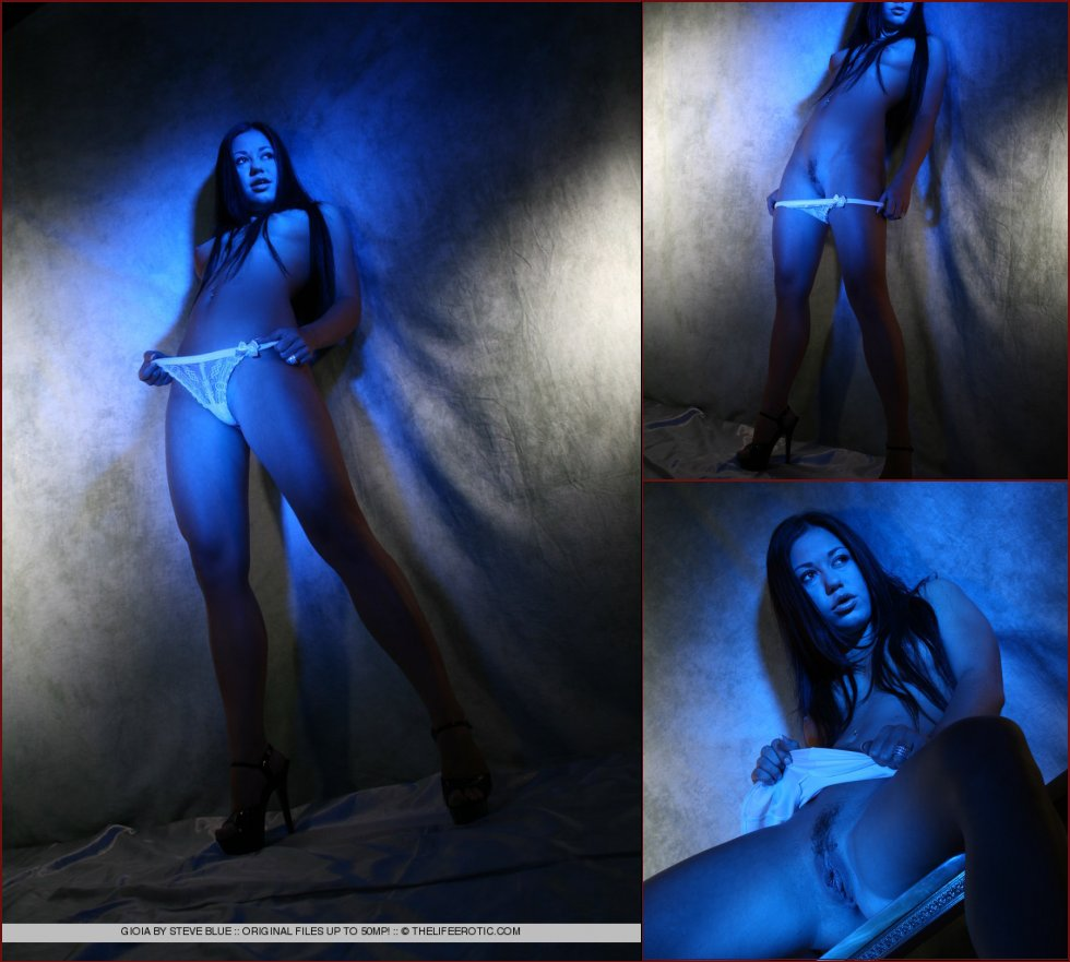 Sexy Gioia in blue session - 51