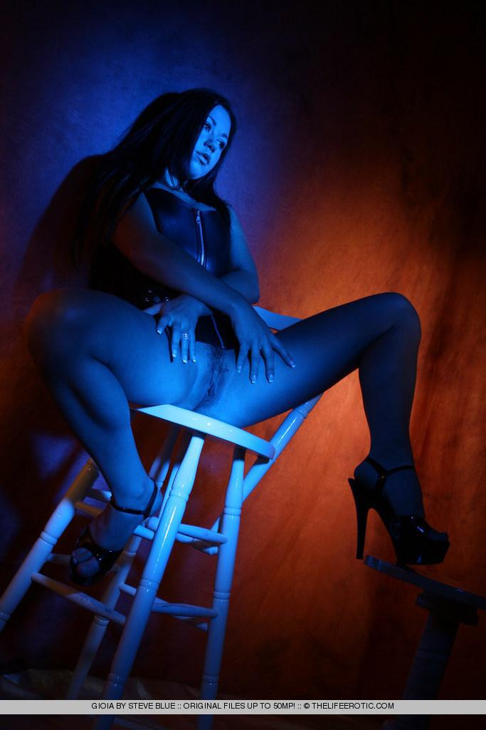 Sexy Gioia in blue session - 13