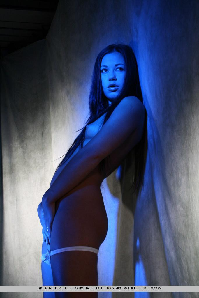 Sexy Gioia in blue session - 6