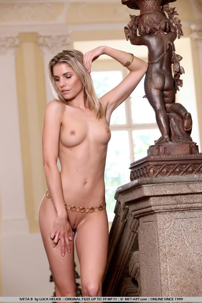 Sensual Iveta and her amazing body - 17