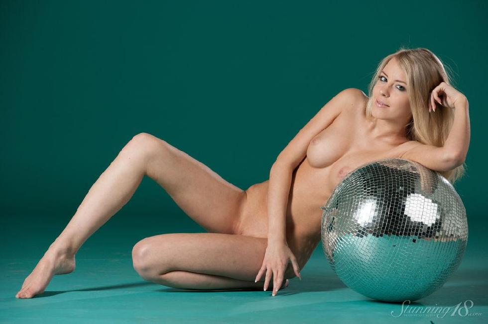 It's a time to disco with pretty Barbara - 12