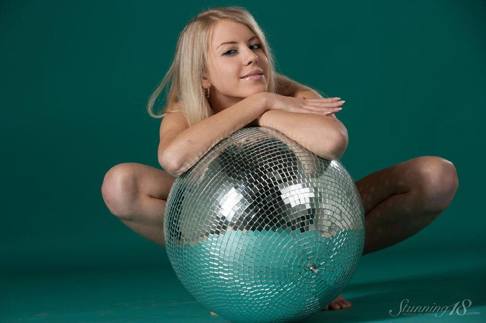It's a time to disco with pretty Barbara - 14