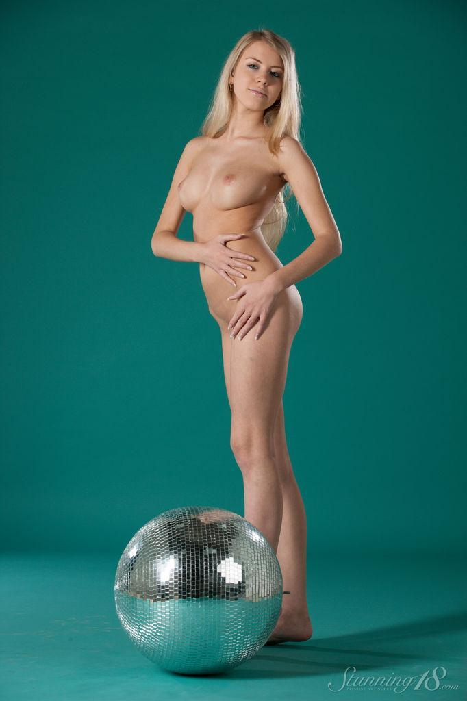 It's a time to disco with pretty Barbara - 6