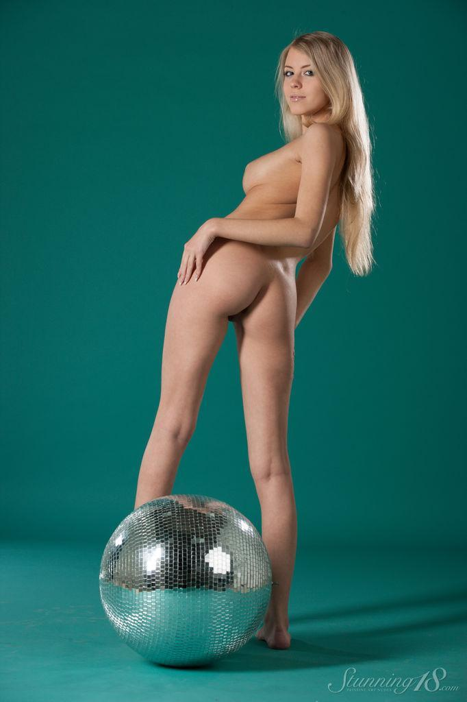 It's a time to disco with pretty Barbara - 8