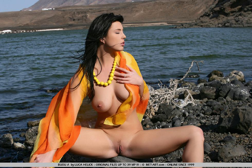 Naked Bijou is tempting on the rocky beach - 8