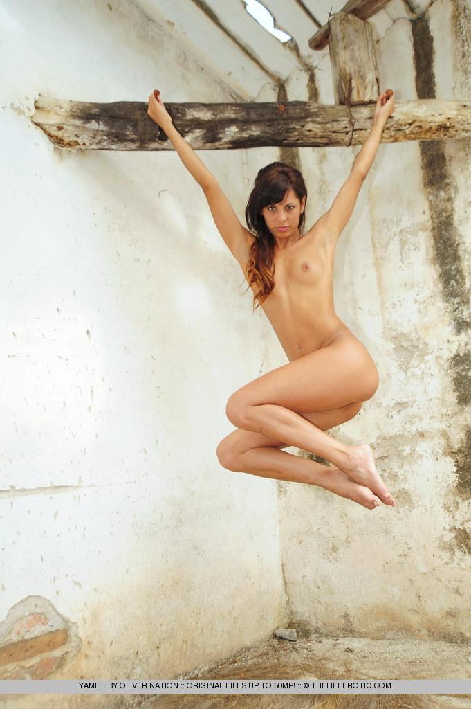 Young Yamile is posing naked in ruined house - 12