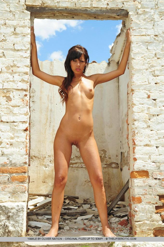 Young Yamile is posing naked in ruined house - 3