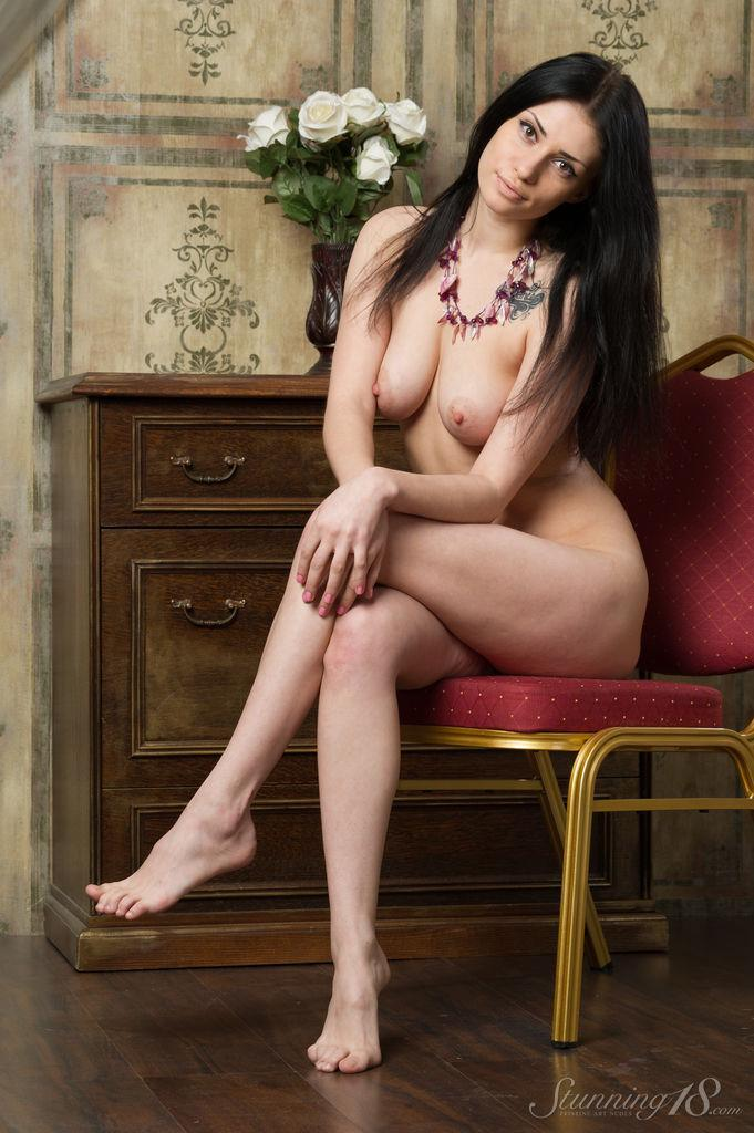 Stunning brunette with great body - Marina - 10