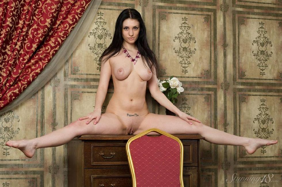 Stunning brunette with great body - Marina - 16