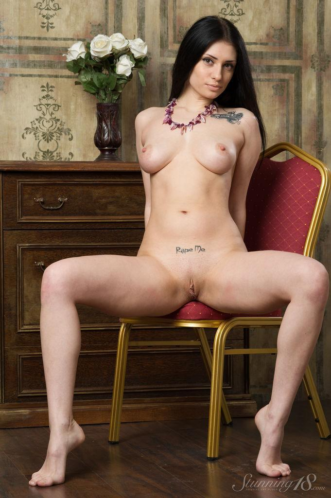 Stunning brunette with great body - Marina - 8