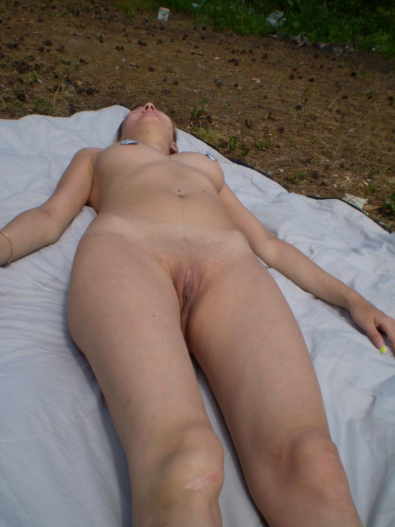 Naked amateur is sunbathing on the tower - 3