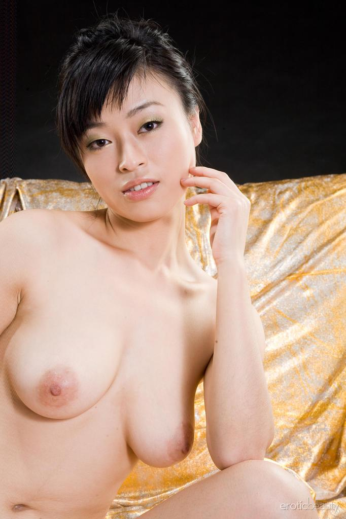 Yumi Law shows her ass and pussy - 9