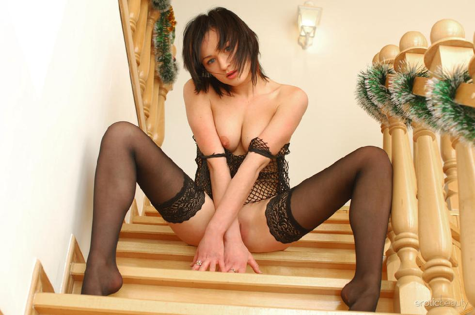 Sexy Tonya is tempting on the stairs - 11