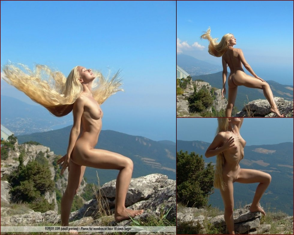 Naked blonde girl with very long hairy - Desiree - 88