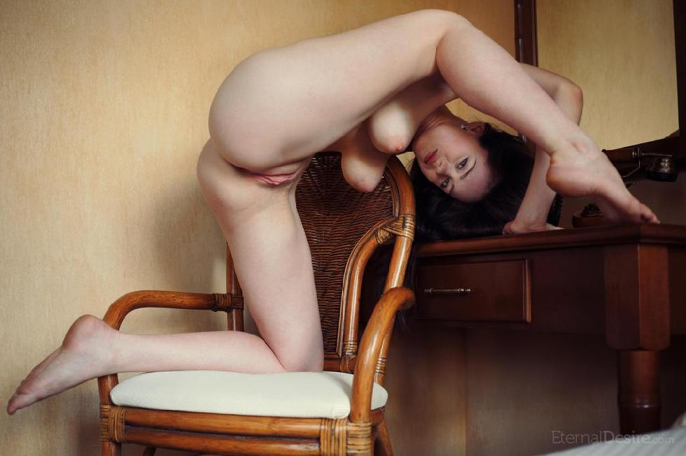 Amazing Annis shows delicious pussy - 15