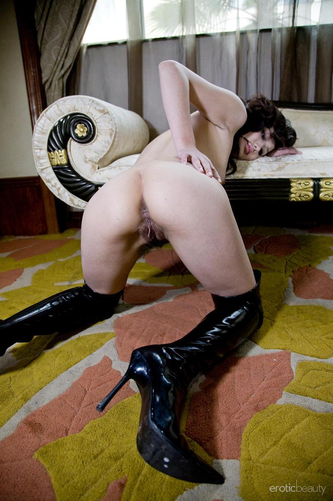 Asian in sexy leather high boots - Mellenney - 14