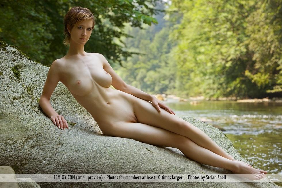 Busty beauty with short hair - Silke - 3
