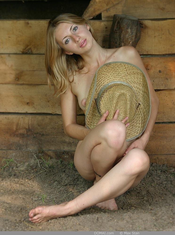 Pretty blonde girl from countryside - Vicca - 11
