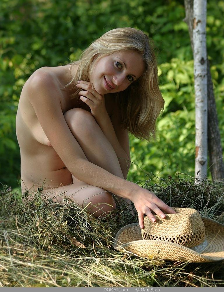Pretty blonde girl from countryside - Vicca - 14