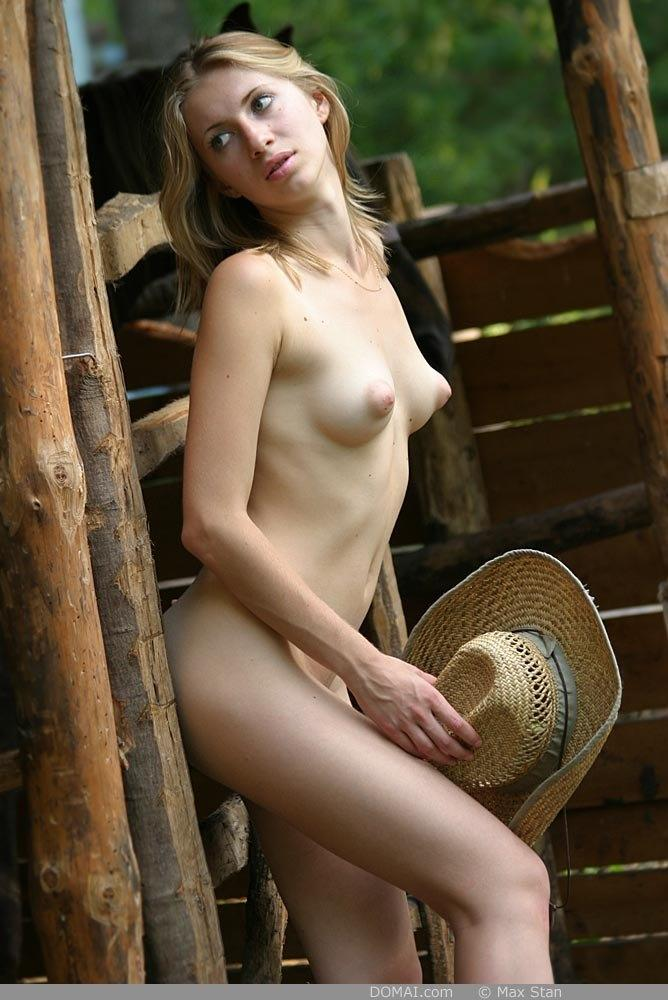 Pretty blonde girl from countryside - Vicca - 3