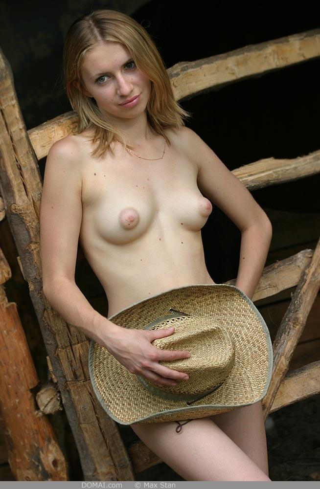 Pretty blonde girl from countryside - Vicca - 4