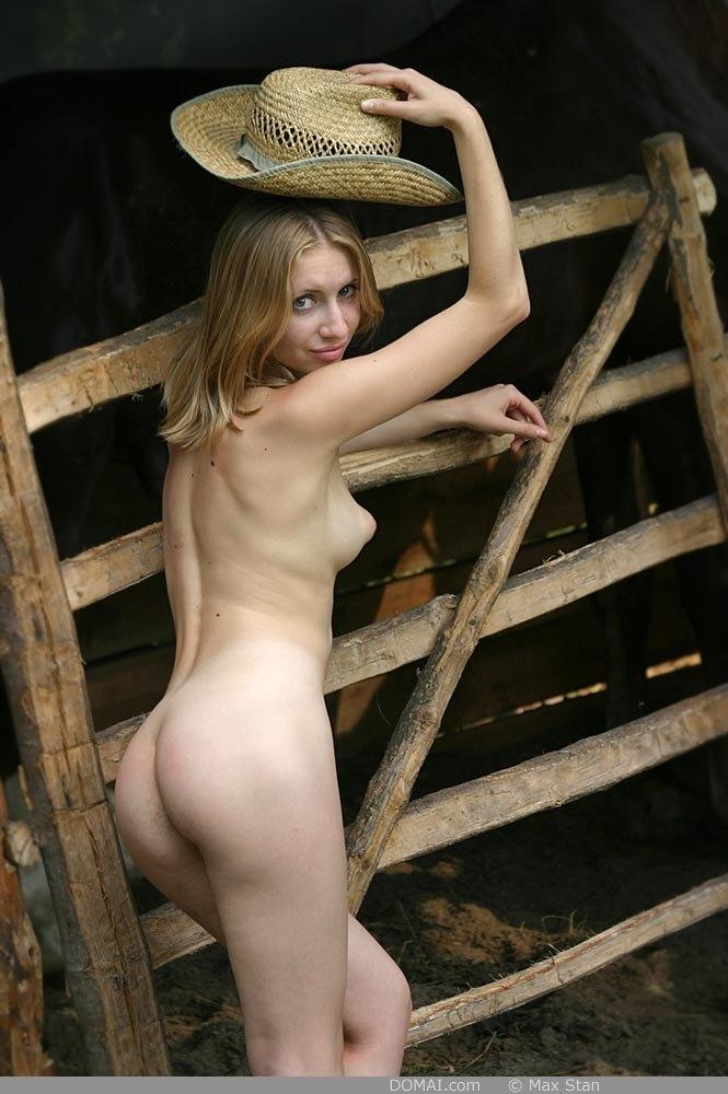 Pretty blonde girl from countryside - Vicca - 5