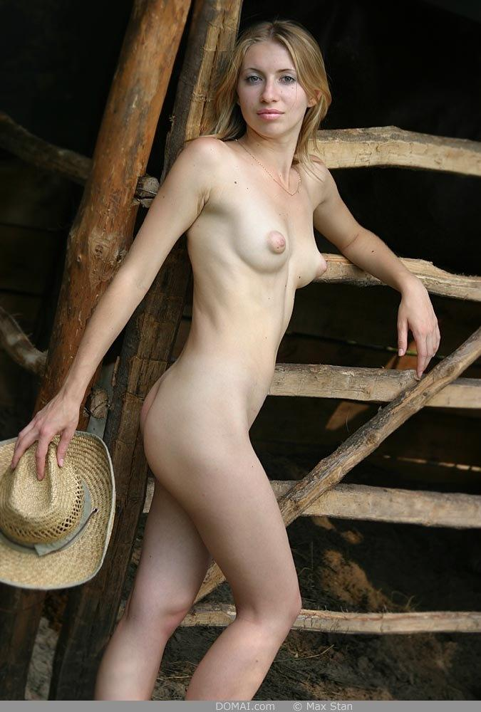 Pretty blonde girl from countryside - Vicca - 6