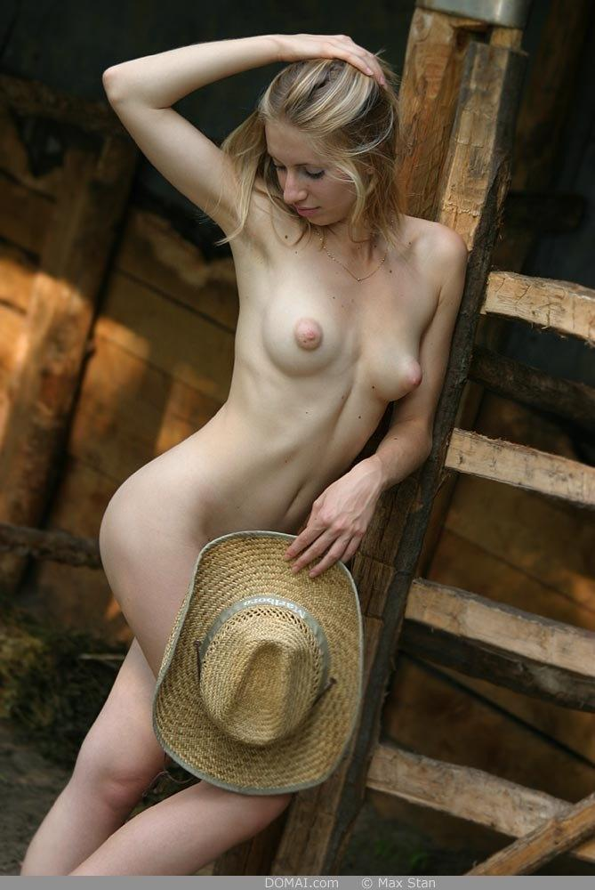 Pretty blonde girl from countryside - Vicca - 8