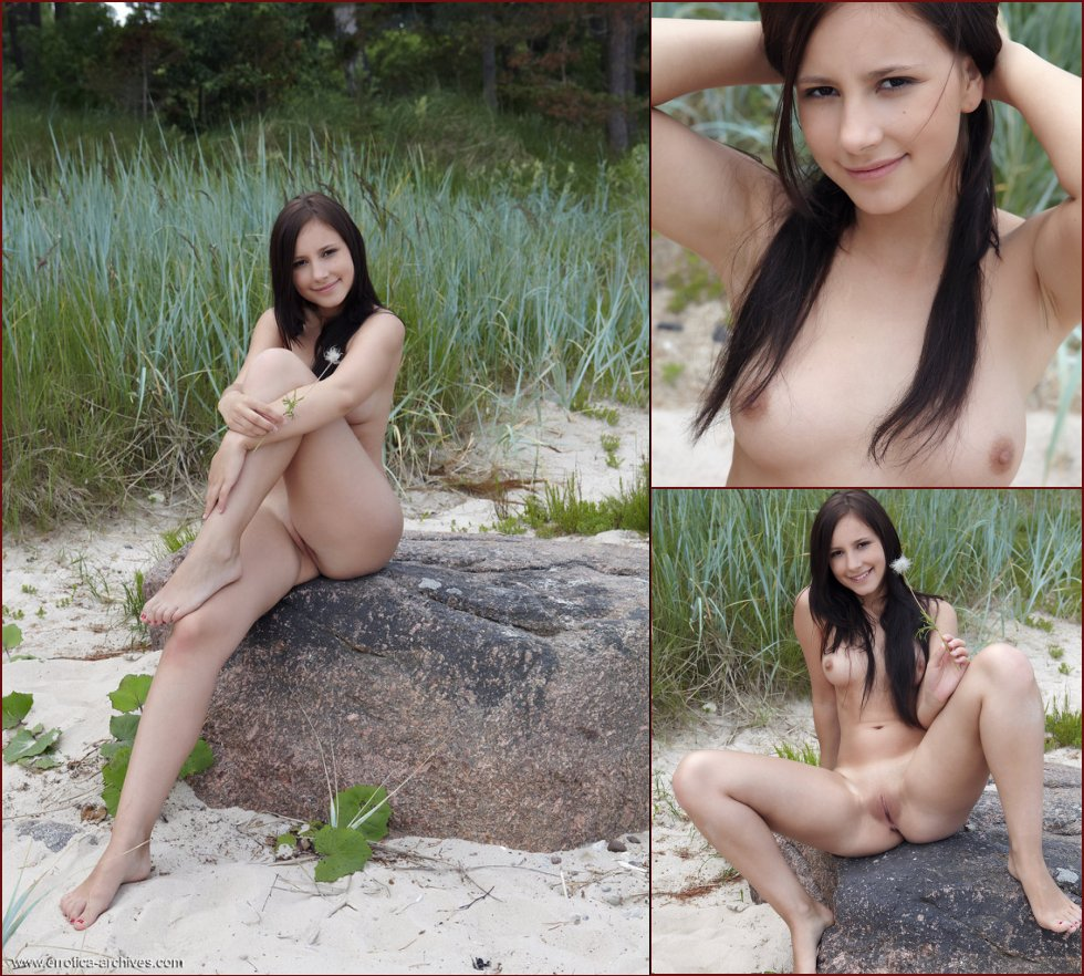 Naked outdoor session with pretty Vicky. Part 2 - 2