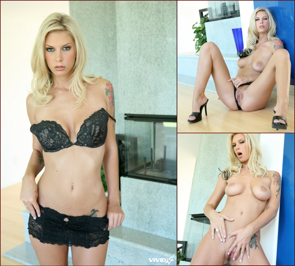 Small gallery with two blondes - Brooke Banner & Savanna Samson - 8