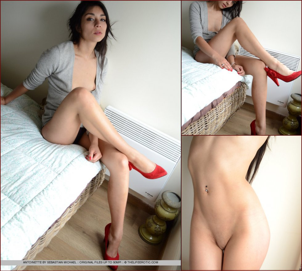 Brunette and red stilettos - Antoinette - 48