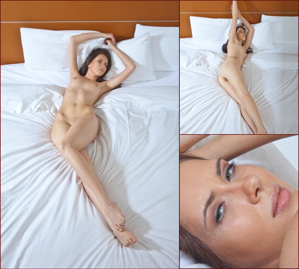 Beautiful Margo and her deep pussy - 11