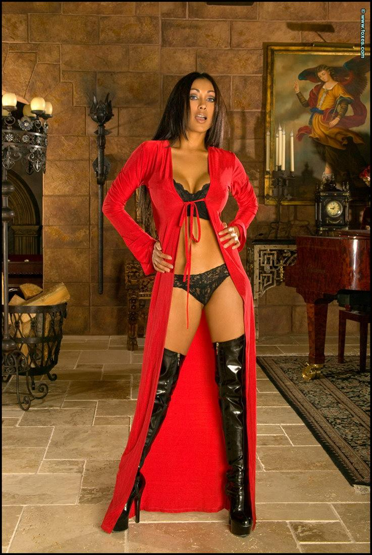 Flexible Priya Rai in sexy high boots