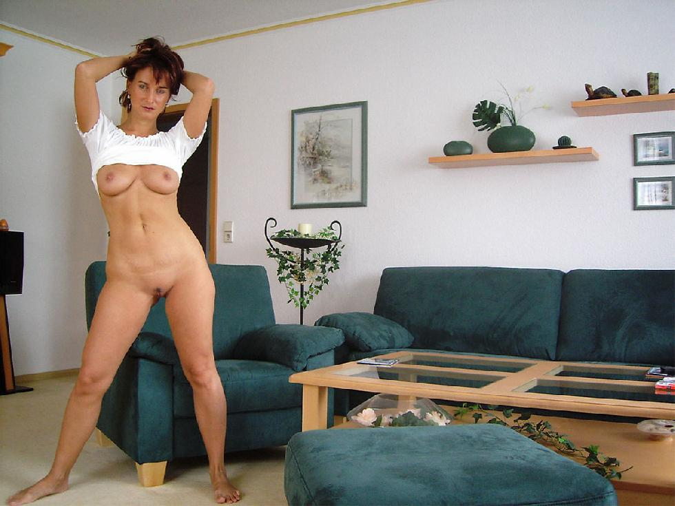 Sexy MILF with shaved pussy - 7