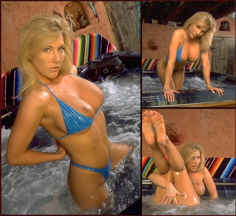 Hot blonde in the jacuzzi - Leslie Ann - 27