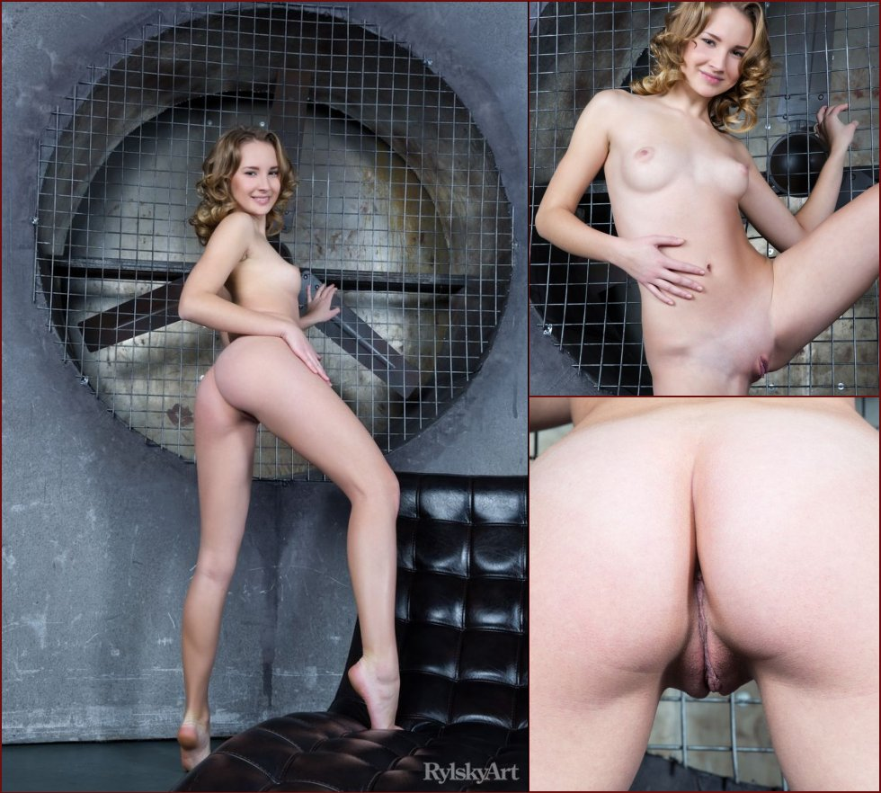 Charming girl with perfect ass - Gabriela - 32